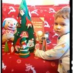 Un zâmbet, un gest, prietenie, copilărie – Crăciun